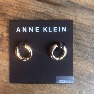 ❤️ *New* Anne Klein Gold Hoop Earring Set ❤️